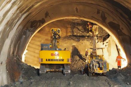 Obr. 3 Pohľad na čelbu tunela