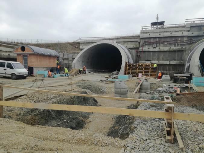 Obr. 5 Výkopové práce na západnom portáli tunela