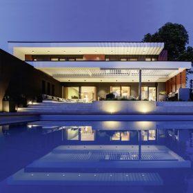 Dizajnový minimalistický štýl štúdio s Internorm oknami