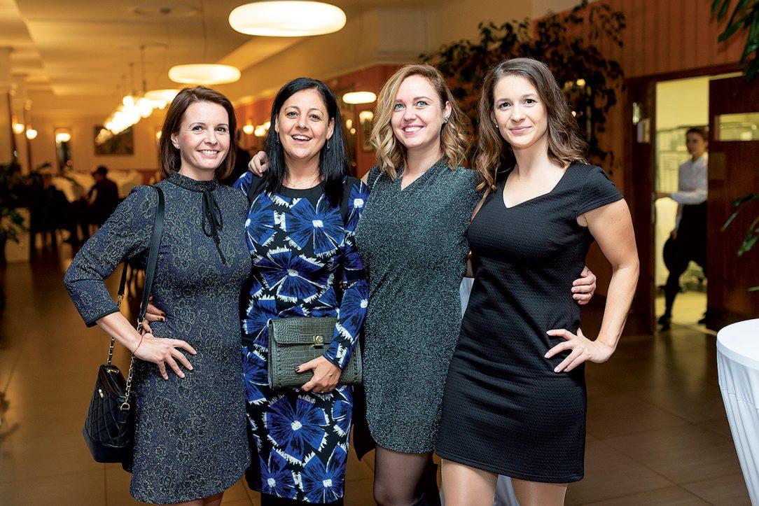 Zľava: Eva Kovačovičová, Stanka Radivojevič, Mapei SK, Zuzana Božeková a Katarína Dudáková, Key Communications