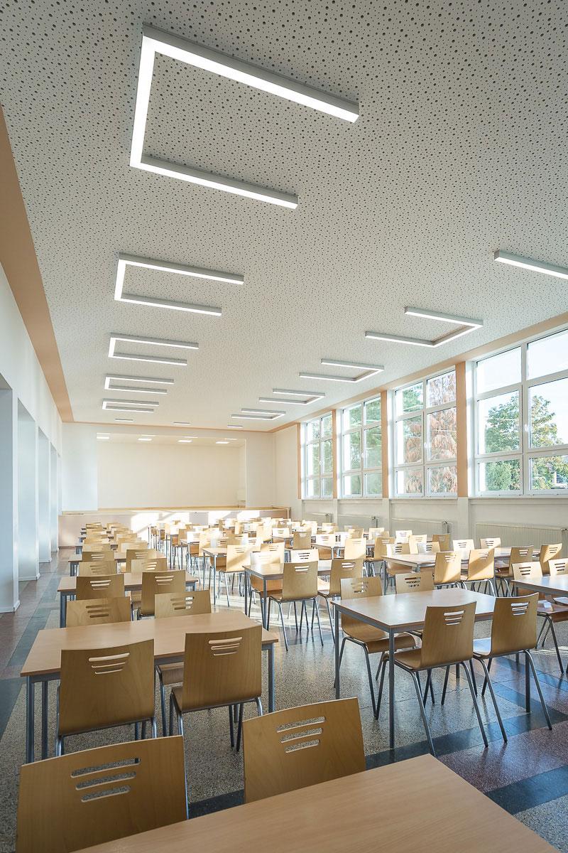 Jedáleň na ZŠ Fándlyho v Pezinku po rekonštrukcii