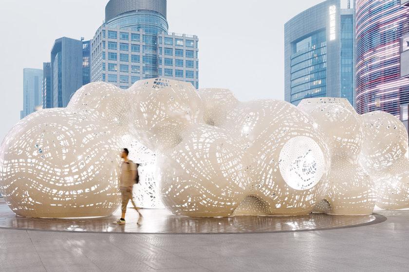 Architektonická inštalácia od štúdia THEVERYMANY ako súčasť Jinji Lake Biennale včínskom Suzhou.