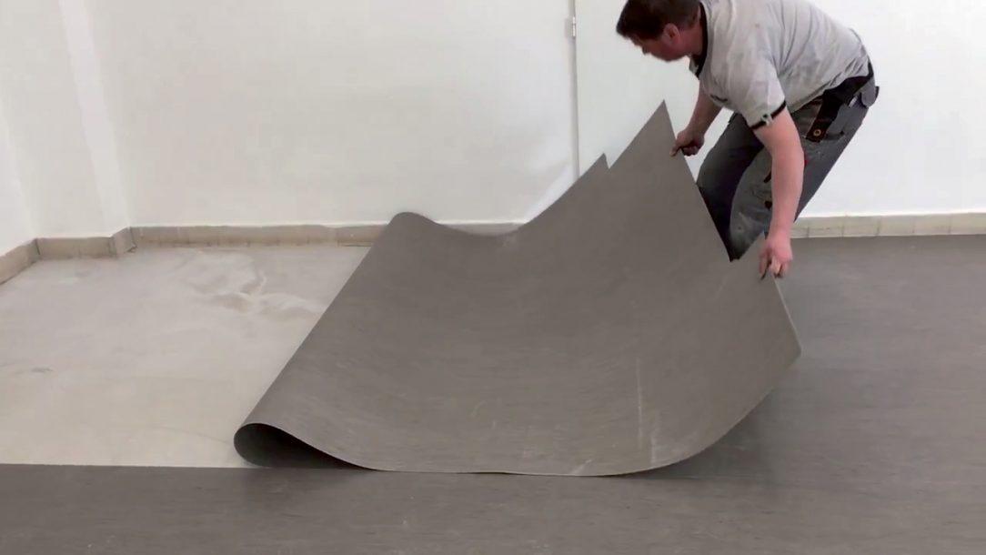 01 Narezanie a aklimatizácia podlahoviny