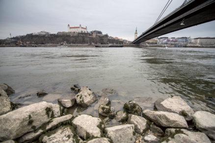 Dunaj je druhou najdlhšou európskou riekou tečúcou krajinami strednej a juhovýchodnej Európy