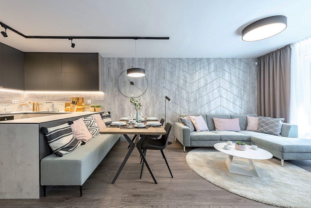 Jedálenský kút a obývačka v štvorizbovom prezentačnom byte
