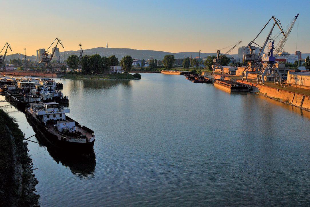 Jeden z plánovaných projektov počíta s vybudovaním zázemia pre plavidlá vo verejnom prístave v Bratislave