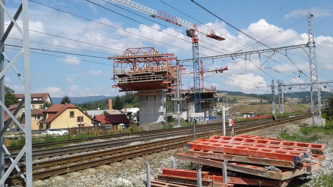Premostenie existujúceho železničného koridoru do ČR a Poľska