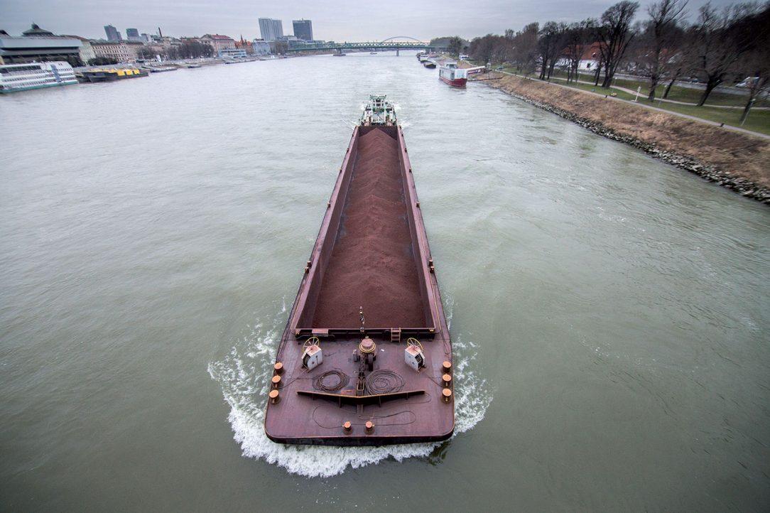 Z hľadiska plavby predstavuje Dunaj jednu z najdôležitejších európskych vnútrozemských vodných ciest