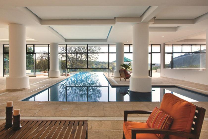 Bazén v interiéri