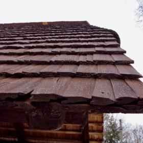 Ukladanie dreveného šindľa
