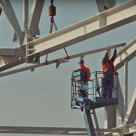 Výstavba veľkorozponového oceľového skeletu hangáru