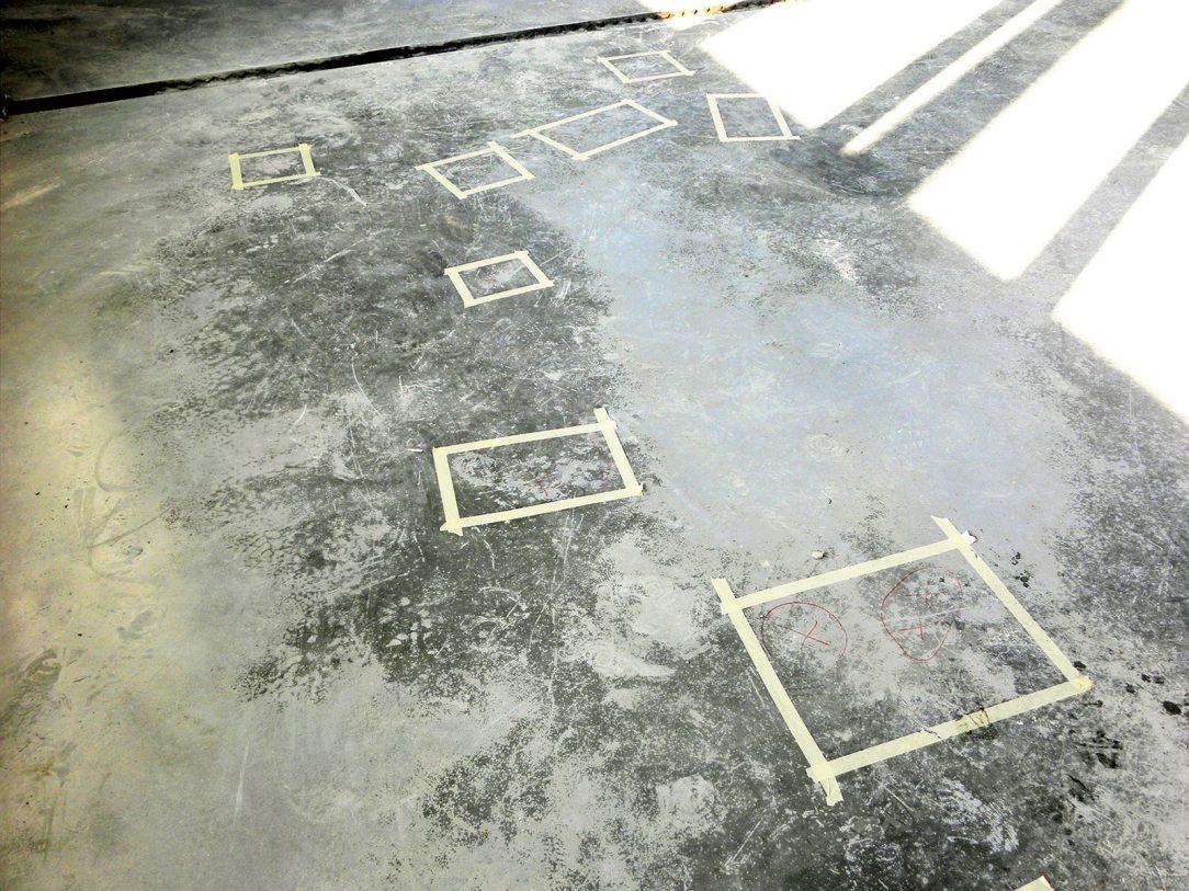 Obr. 1 Delaminácia pancierovej podlahy