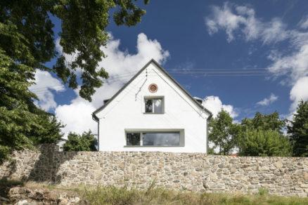Veľkou výhodou pri rekonštrukcii bolo že stodola má výbornú orientáciu na svetové strany.