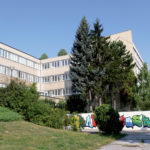 Obr. 1 Posudzovaná škola predstavuje 3 poschodovú nepodpivničenú budovu postavenú koncom 60. rokov 20. storočia.