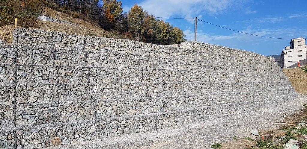 Pohľad na oporný múr Terramesh® max. výšky 5.0m obj. 283 13