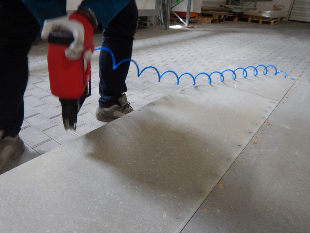 Kotvenie cementotrieskových dosiek CETRIS k drevenej konštrukcii sponkovaním