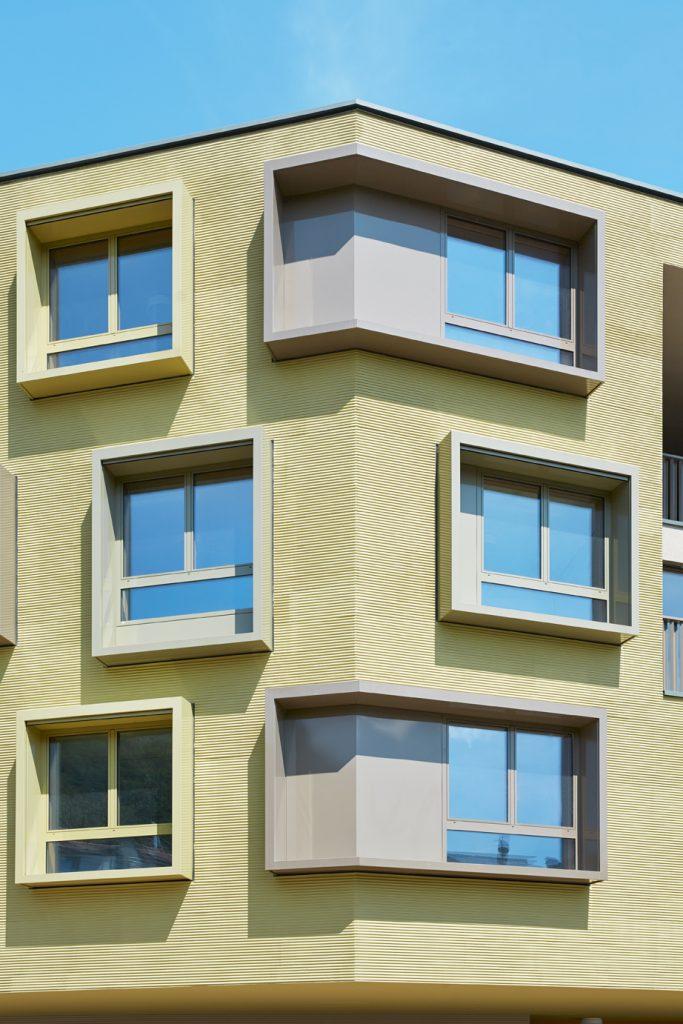 Kreatívne omietky StoSignature umožňujú vyzdobiť povrch fasád s osvedčenými a napriek tomu ojedinelými textúrami.