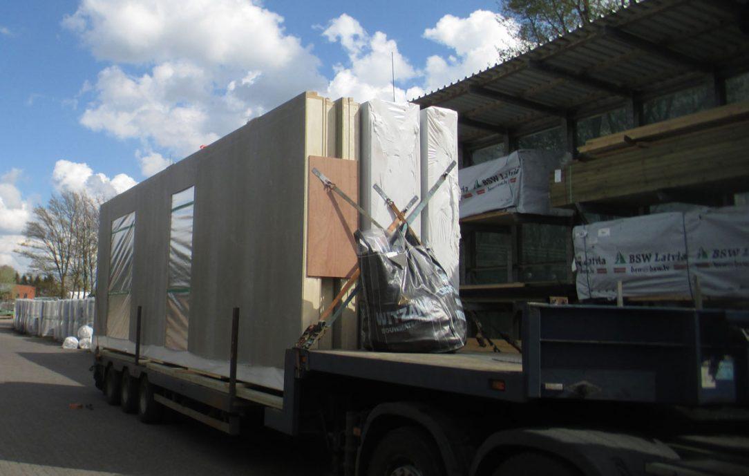 Prefabrikované panely obvodových stien obložené doskami CETRIS