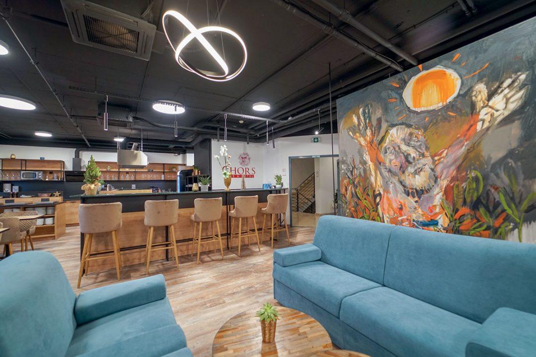 Lobby bar je spojený s reštauráciou.