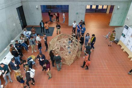 Medzi 1. a 5. aprílom študenti z FA ČVUT a TU Delft zrealizovali experimentálny pavilón