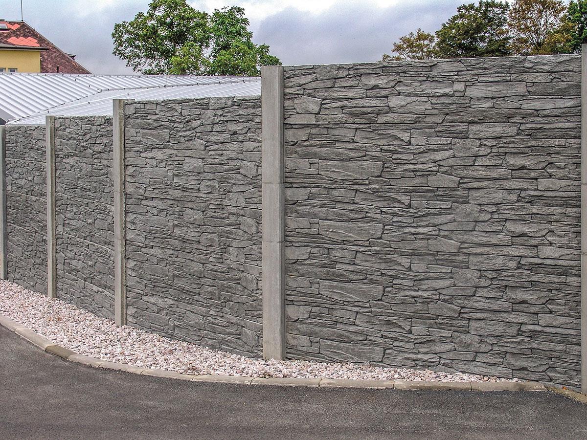 plot z betónových dosiek imitujúci drevo 4