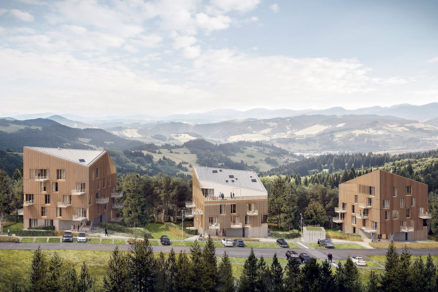 Súbor tvoria tri budovy.