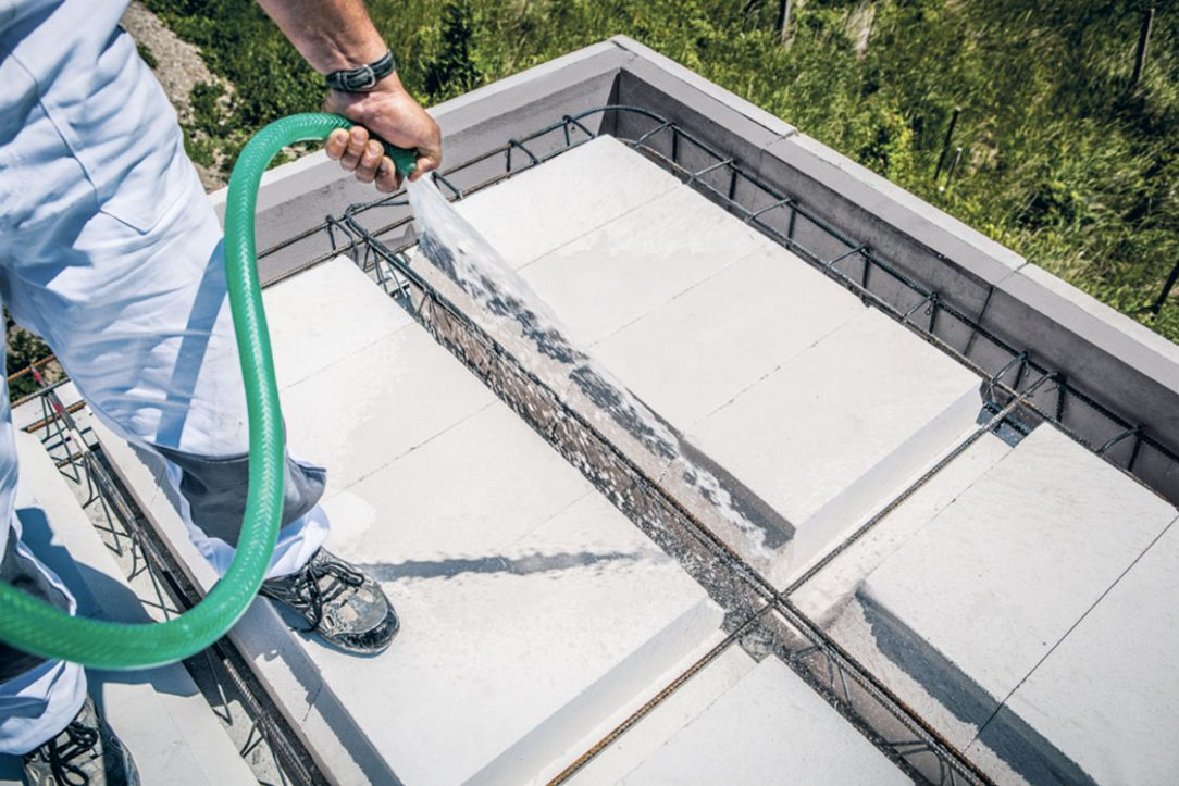 12 Navlhčenie vodou pred betonážou