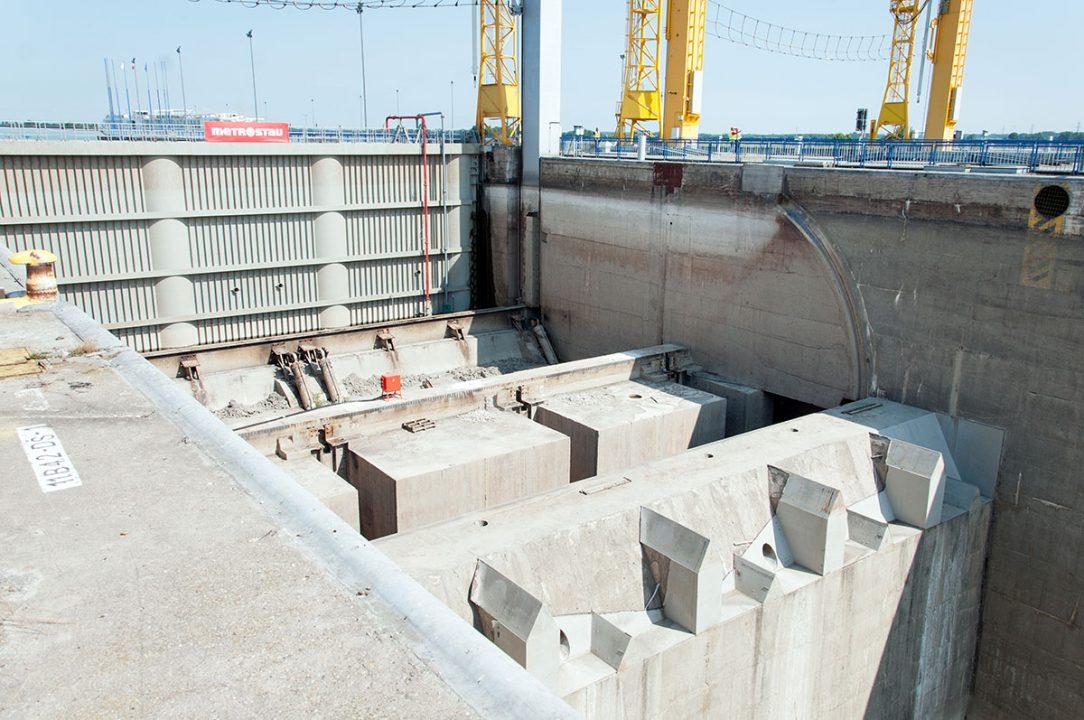 proces modernizácie plavebných komôr Vodného diela Gabčíkovo 4