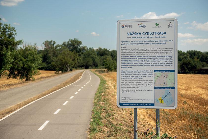 Vážska cyklotrasa na úseku Horná Streda – Nové Mesto nad Váhom