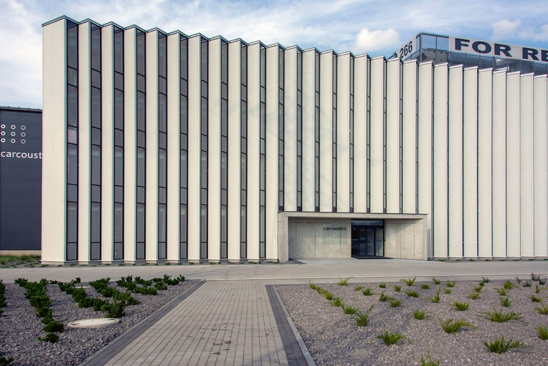 Administratívna budova VAŠA s.r.o. v priemyselnom parku Nováky