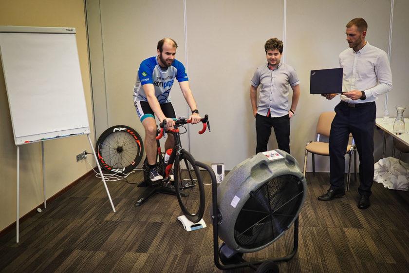 Oficiálne predstavenie EC Aury pre cyklistov využiteľnej vo vnútorných priestoroch.