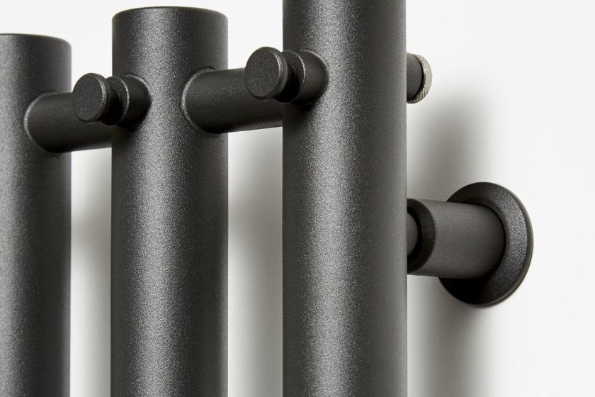 Radiátor Rosendal v čiernej farbe