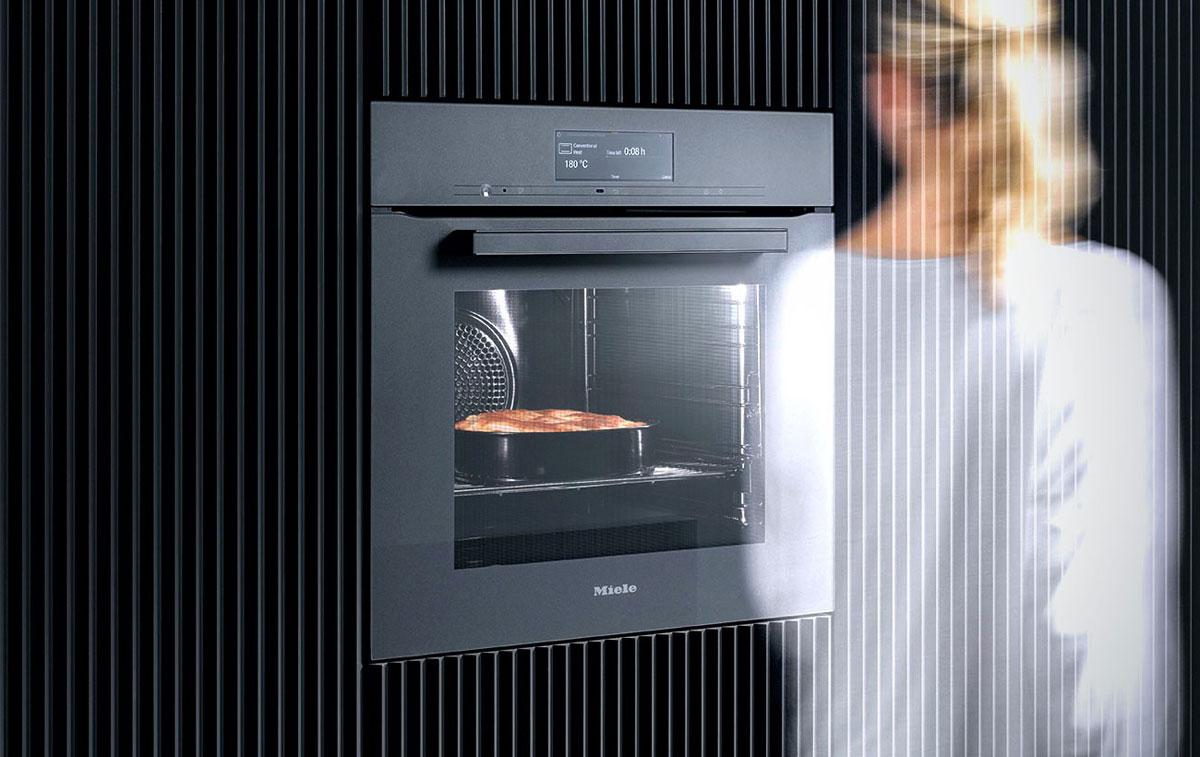 Kuchynské prístroje Miele vedia čo chcete urobiť skôr ako to viete vy sami.