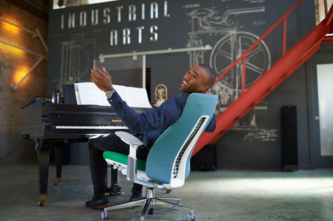 Maximálne ergonomická kancelárska stolička FERN
