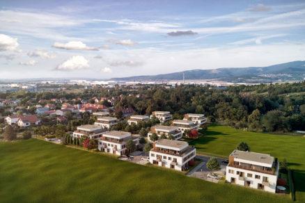Pohľad na projekt Kynek Rezidencie ktorý vyrastá v nitrianskej lokalite v blízkosti historického kaštieľa.
