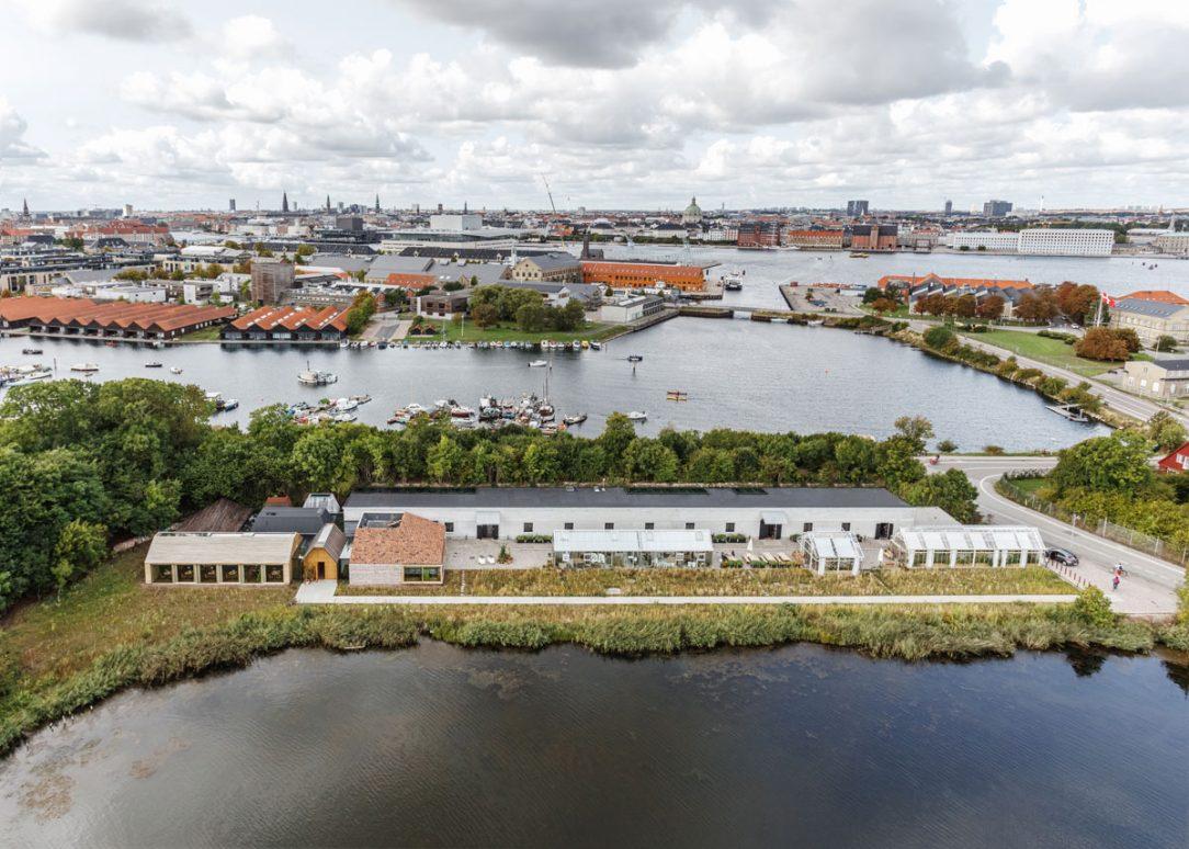 Reštaurácia NOMA 2 sa nachádza medzi dvoma jazerami v najslobodnejšej časti Kodane – v Christianii