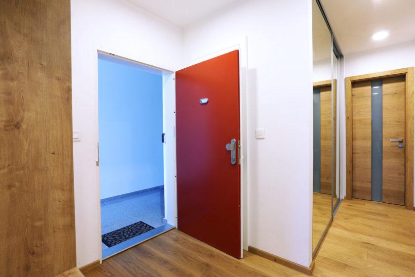 Slovenský výrobca bezpečnostných dverí SHERLOCK® má v ponuke aj smart doplnky.