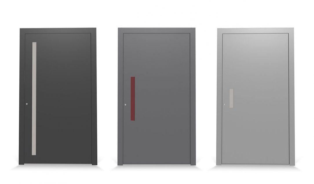 Ergonomická a moderná úchytková lišta na vonkajšej strane domových dverí je k dispozícii v troch dĺžkach a je voliteľne vybavená LED svetelnými pásmi