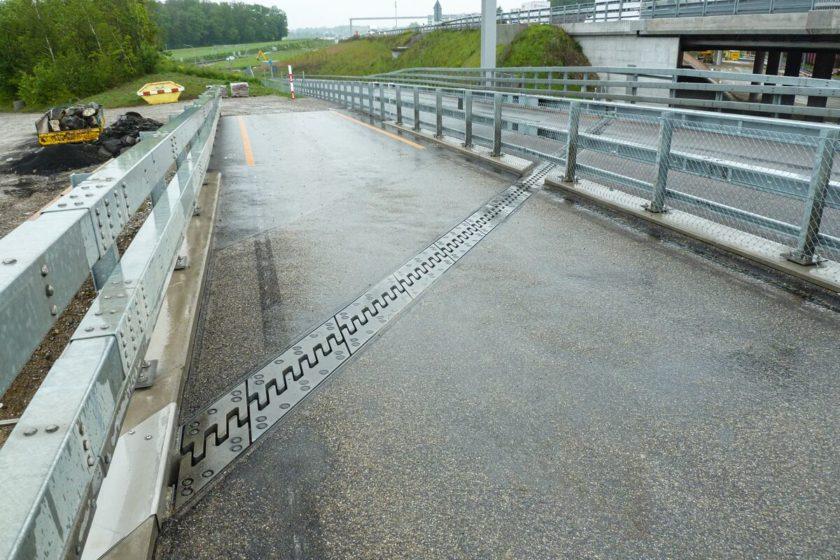 Mostné závery dodávané na nové mostné konštrukcie na diaľnici Zürich severný obchvat