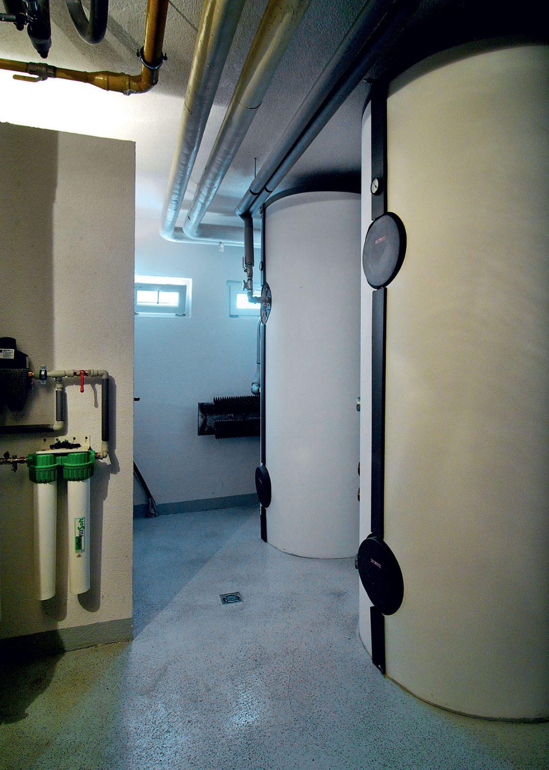 Zásobníky na prípravu teplej vody v bytovom dome vo Zvolene