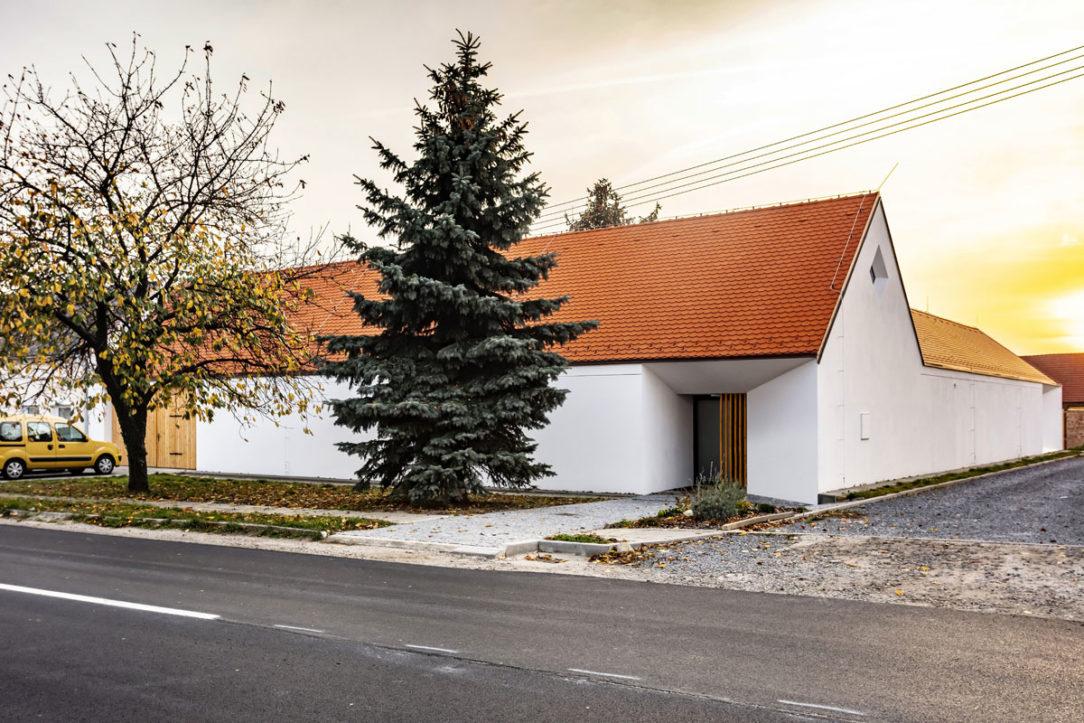 Škridla bobrovka dotvára vidiecky charakter domu