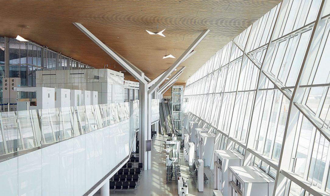 Letisková hala je čo najotvorenejšia.