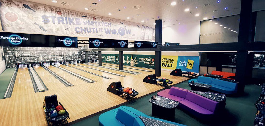 Petržalské bowlingové centrum má 8 profesionálnych dráh.