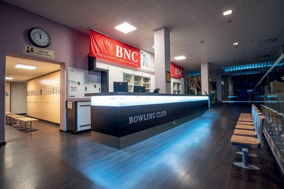 Pracovisko obsluhy bowlingových dráh v BNC.
