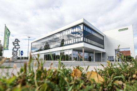 Centrála firmy Brucha G.m.b.H. v rakúskom meste Michelhausen.