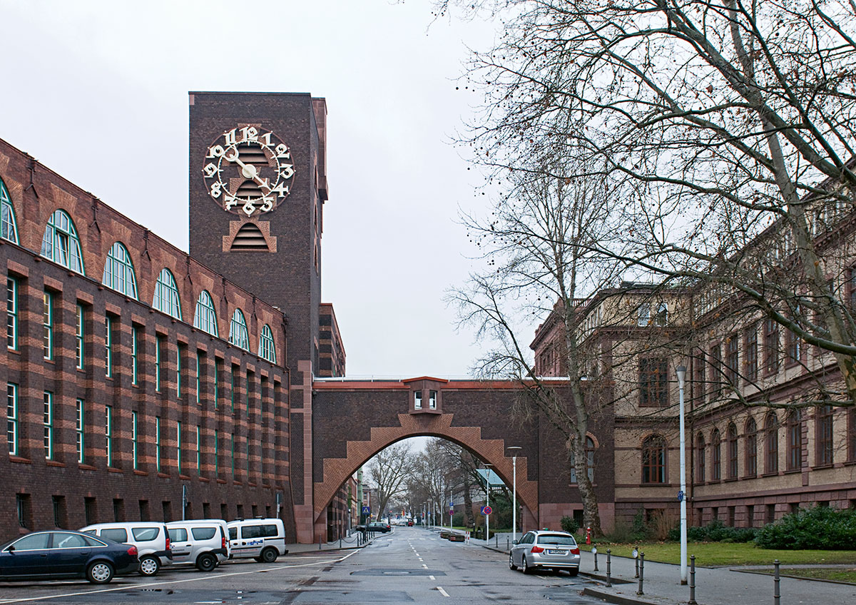 Peter Behrens Technická a administratívna budova Hoechst AG Frankfurt nad Mohanom 1920 – 1924