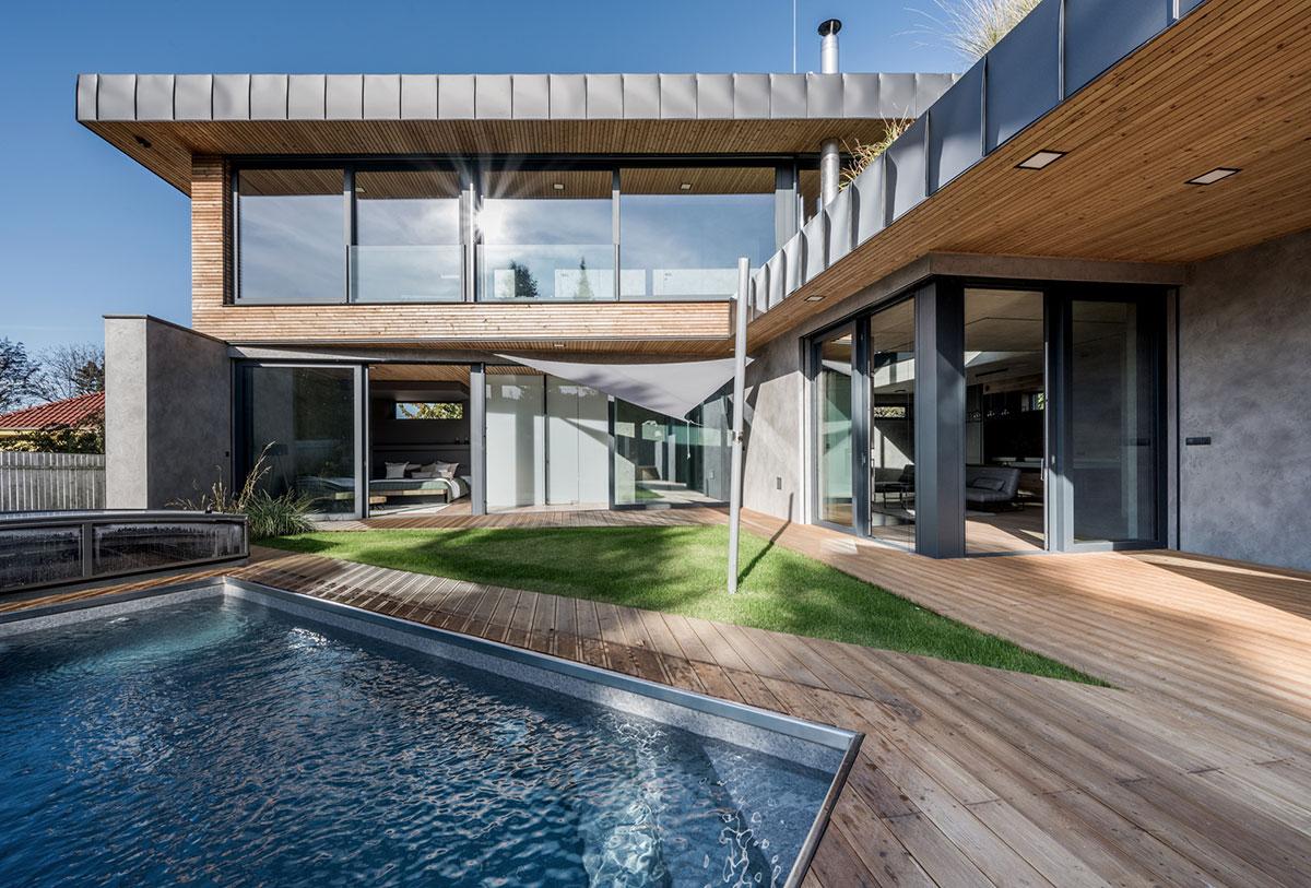 Dom za plotom 3