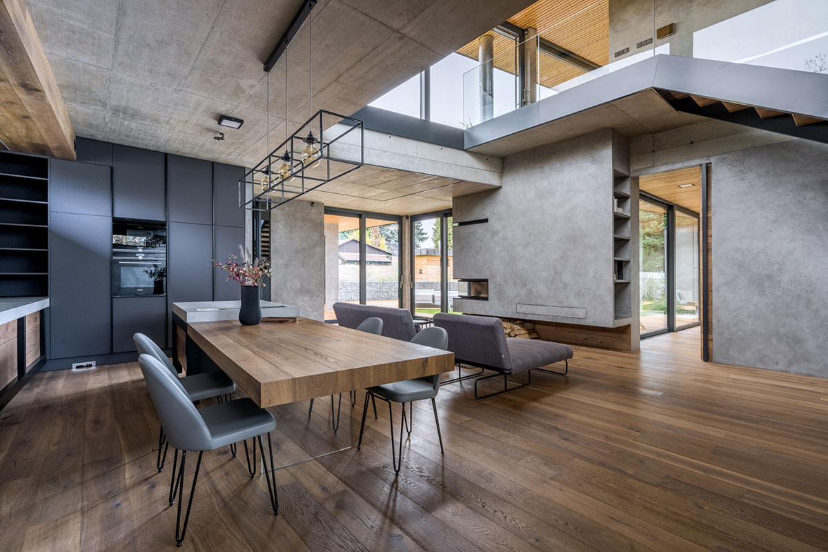 Kuchyňa s jedálenským stolom