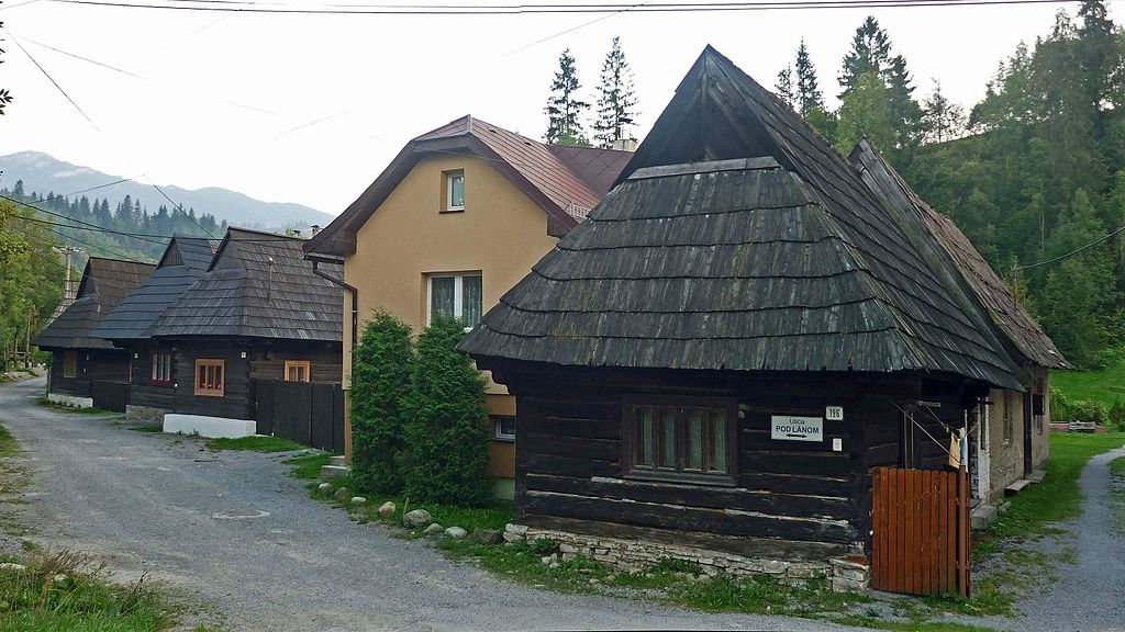 Zrubové domy v Zuberci