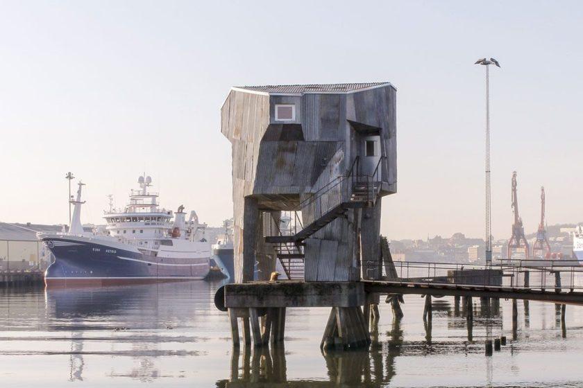 Priemyselný prístav Göteborgu postupne stráca svoj industriálny charakter.